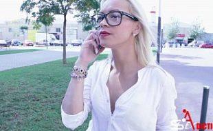 Fodendo a secretária gostosa Anita Ribeiro