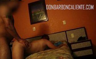 Policial mexicana se exibindo na cam