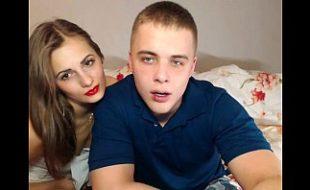 Casal de adolescente metendo gostoso na web cam