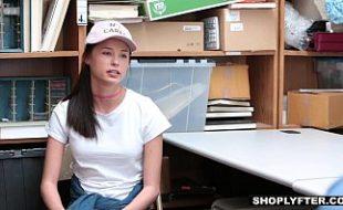 Novinha levando pica na Buceta em escritório com o chefe