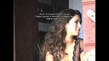 Fernanda mostrando sua buceta linda em filme amador