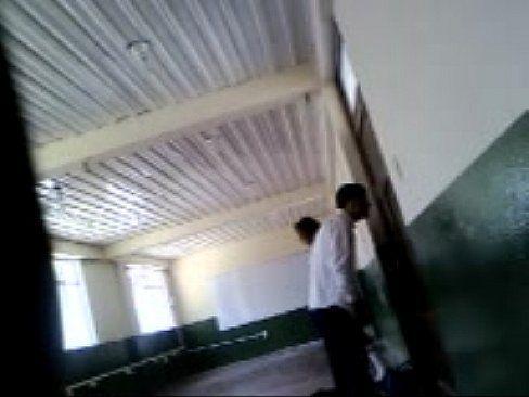Adolescentes Cheios De Tesão Fodendo No Colégio