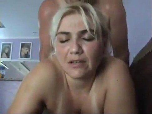 Novinha rebolando na pica