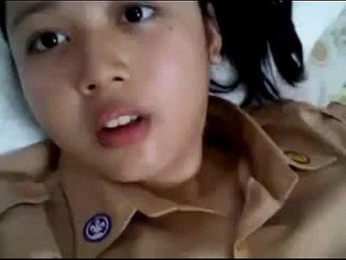 Novinha Da Escola Militar Mostrando As Tetas