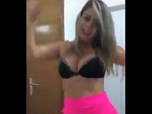 Loira Dançando Peladinha Na Web Cam