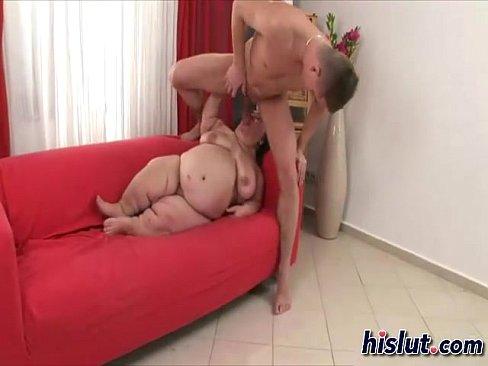 Fazendo Sexo com Anã gordinha ela pagou um boquete e gozei nos seu Seios