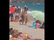 Novinha Tocando Siririca Na Praia