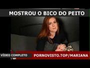 Marina Ruy Barbosa liberando os peitos para a câmera