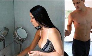 Video de sexo com MILF safada com novinho