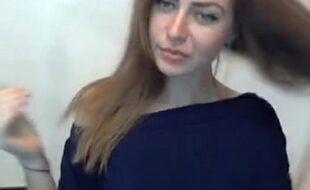 Sexhot mulher safada tirando tudo para fazer putaria na frente de sua webcam