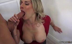 Videos amadores de sexo com coroa peituda mamando vara