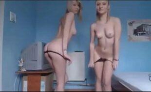 Chaturbate cam4 com novinhas exibindo os corpinhos